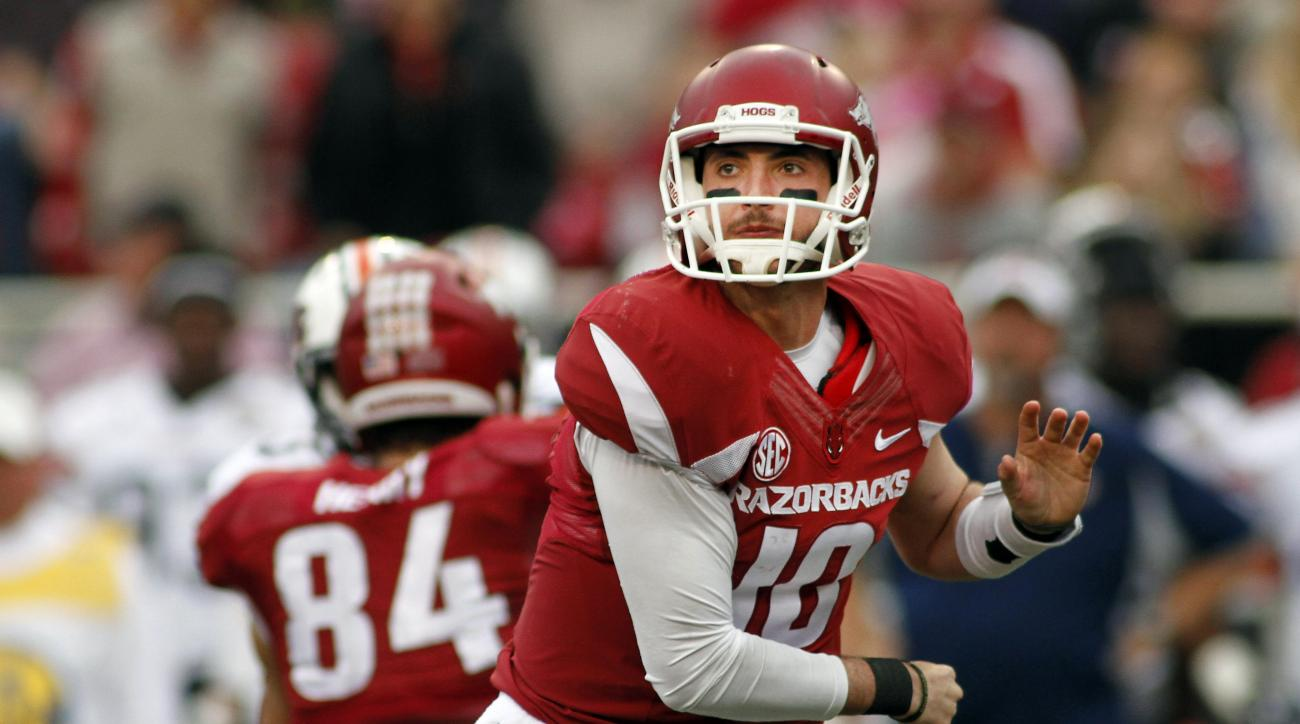 Arkansas' Brandon Allen (10) throws a pass during the first half of an NCAA college football game against Tennessee-Martin, Saturday, Oct. 31, 2015, in Fayetteville, Ark. (AP Photo/Samantha Baker)