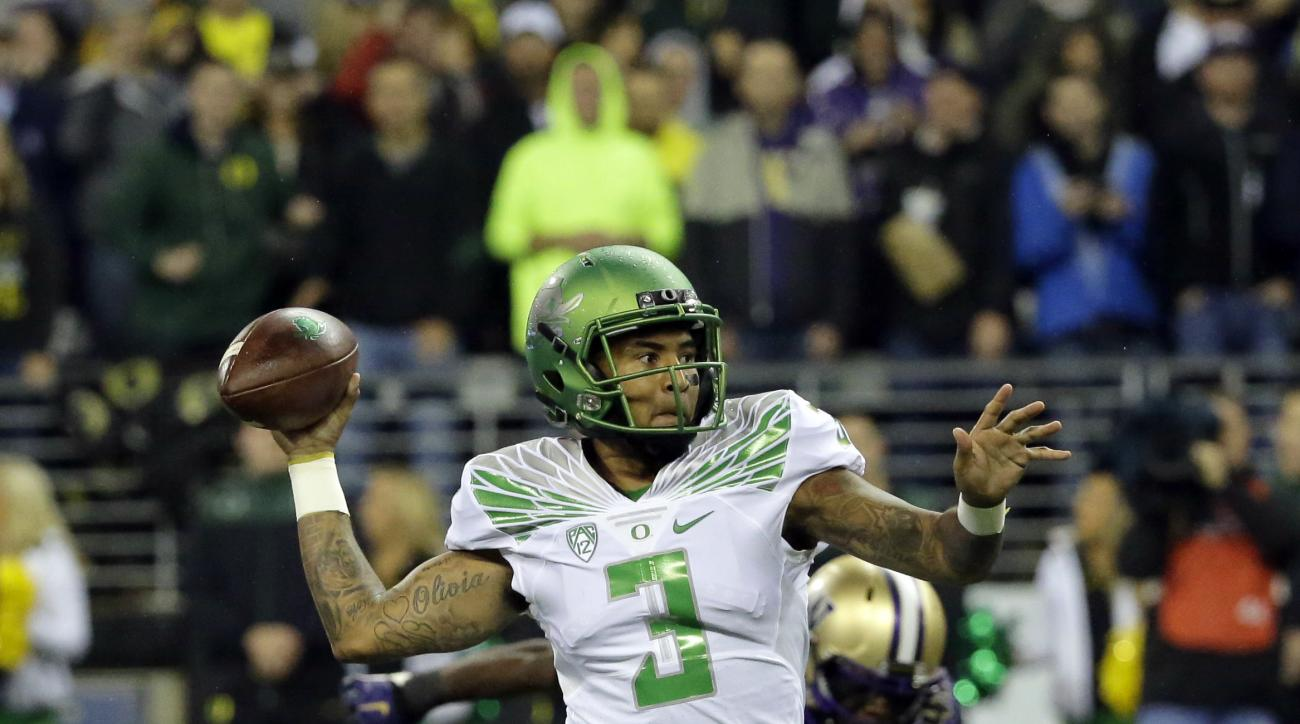 FILE - In this Oct. 17, 2015, file photo, Oregon quarterback Vernon Adams Jr. (3) passes againsnt Washington in the first half of an NCAA college football game, in Seattle. California plays Oregon on Saturday, Nov. 7. (AP Photo/Ted S. Warren, File)