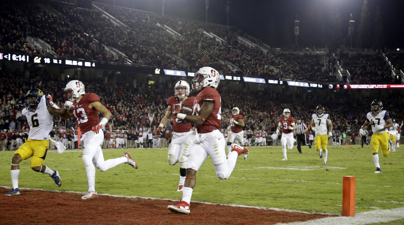 Stanford running back Bryce Love (20) scores a touchdown on a 48-yard run during the second half of an NCAA college football game against California, Saturday, Nov. 21, 2015, in Stanford, Calif. (AP Photo/Marcio Jose Sanchez)