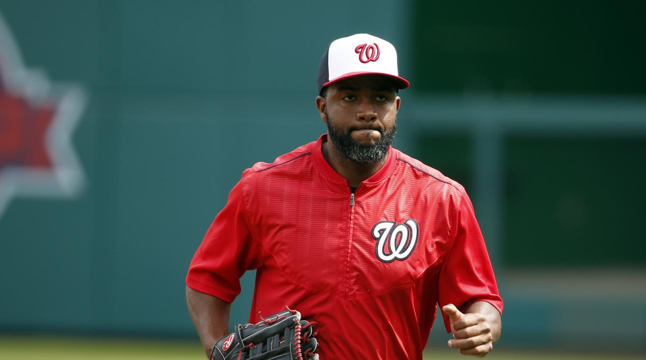Washington Nationals center fielder Denard Span (2) jogs off the field during batting practice before a baseball game against the Philadelphia Phillies at Nationals Park, Sunday, April 19, 2015, in Washington. (AP Photo/Alex Brandon)