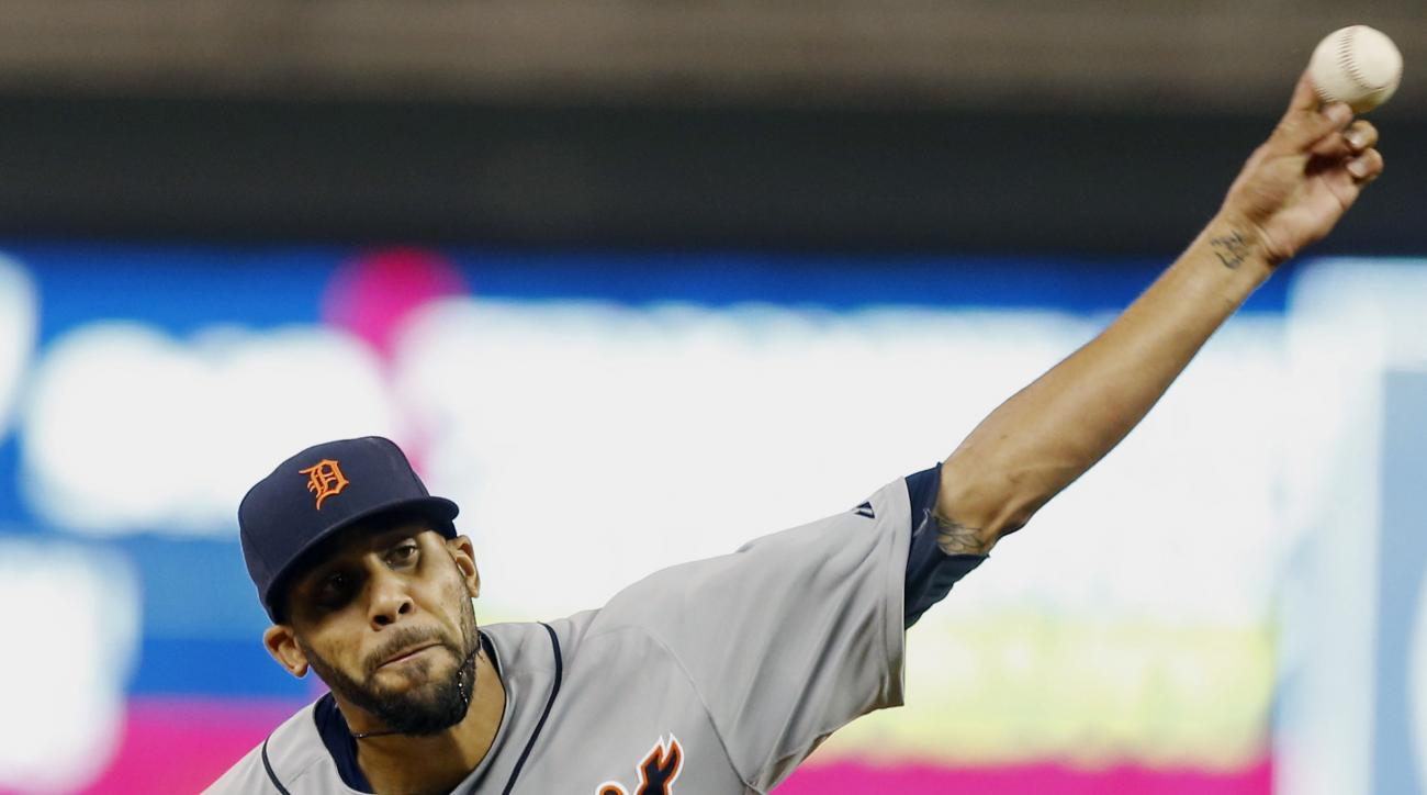 Detroit Tigers pitcher David Price throws against the Minnesota Twins in the fourth inning of a baseball game, Monday, April 27, 2015, in Minneapolis. (AP Photo/Jim Mone)