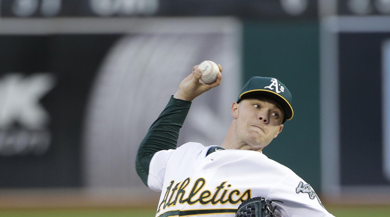 Oakland Athletics starting pitcher Sonny Gray throws to the Los Angeles Angels during the second inning of a baseball game Tuesday, April 28, 2015, in Oakland, Calif. (AP Photo/Marcio Jose Sanchez)