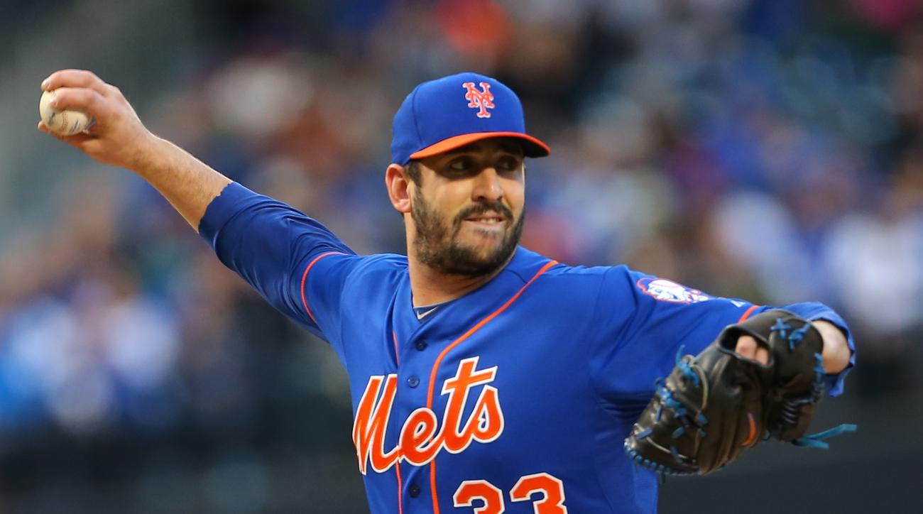 New York Mets starting pitcher Matt Harvey delivers against the Washington Nationals during the first inning of a baseball game in New York, Friday, May 1, 2015. (AP Photo/Adam Hunger)