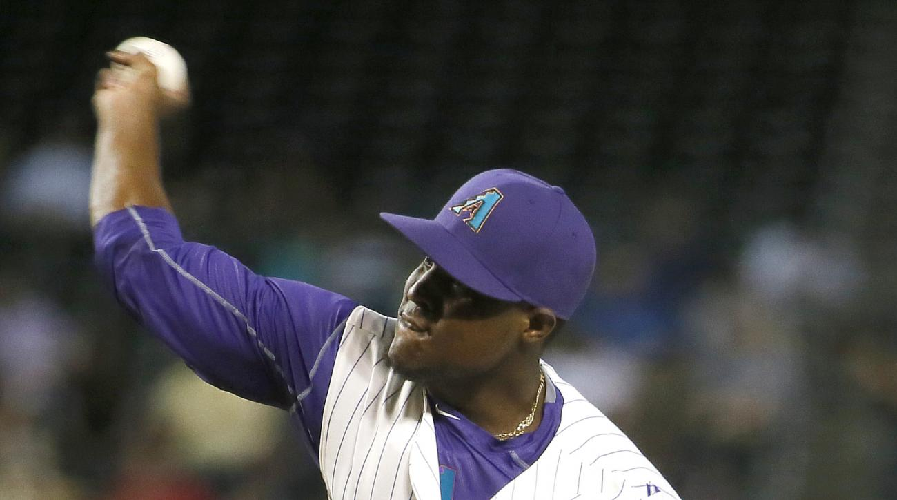 Arizona Diamondbacks pitcher Rubby De La Rosa throws during the fifth inning of a baseball game against the San Diego Padres, Thursday, May 7, 2015, in Phoenix. (AP Photo/Matt York)