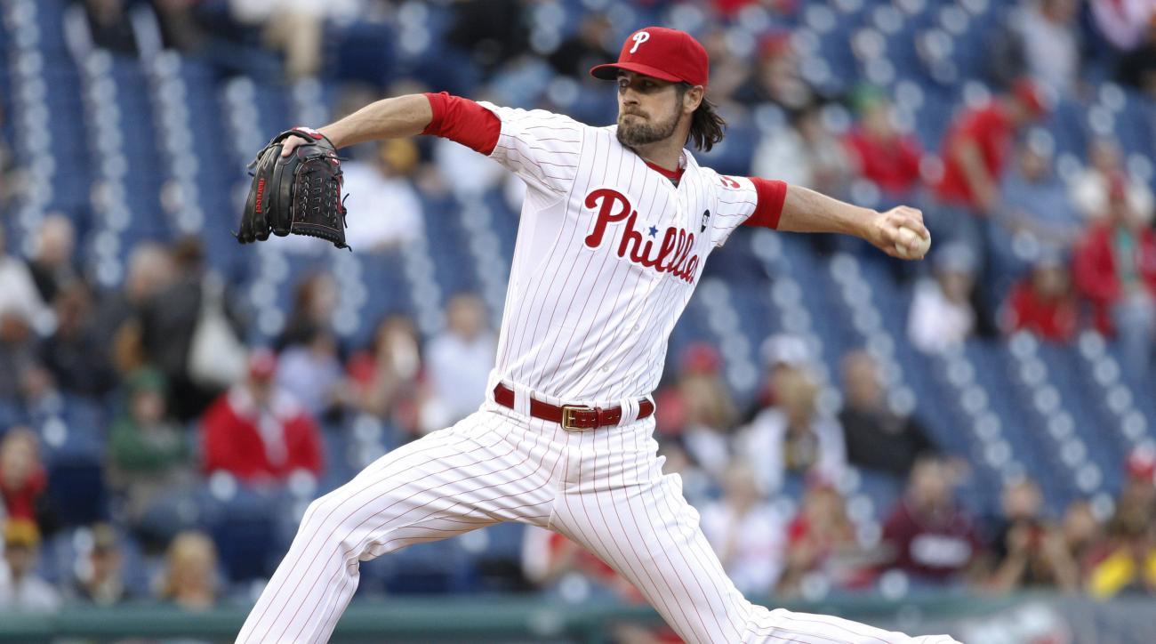 Philadelphia Phillies starting pitcher Cole Hamels throws a pitch during the first inning of a baseball game against the Pittsburgh Pirates, Wednesday, May 13, 2015, in Philadelphia. (AP Photo/Chris Szagola)