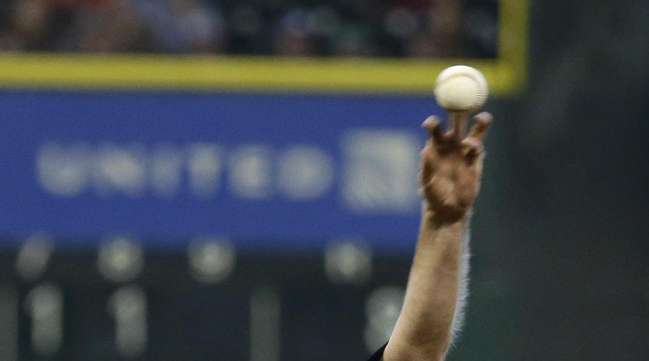Chicago White Sox starting pitcher John Danks throws against the Houston Astros during the ninth inning of a baseball game, Sunday, May 31, 2015, in Houston. The White Sox won 6-0. (AP Photo/David J. Phillip)