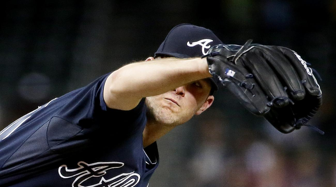 Atlanta Braves starting pitcher Alex Wood throws against the Arizona Diamondbacks during the eighth inning of a baseball game, Monday, June 1, 2015, in Phoenix. (AP Photo/Matt York)