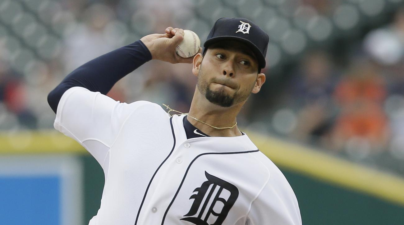 Detroit Tigers starting pitcher Anibal Sanchez throws during the first inning of a baseball game against the Cincinnati Reds, Monday, June 15, 2015, in Detroit. (AP Photo/Carlos Osorio)