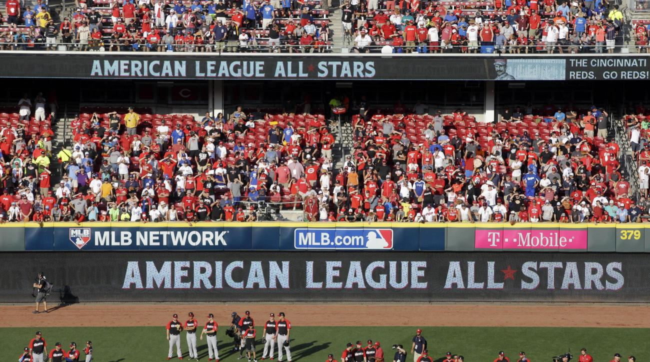 American League players watch during batting practice for the MLB All-Star baseball game, Monday, July 13, 2015, in Cincinnati. (AP Photo/John Minchillo)