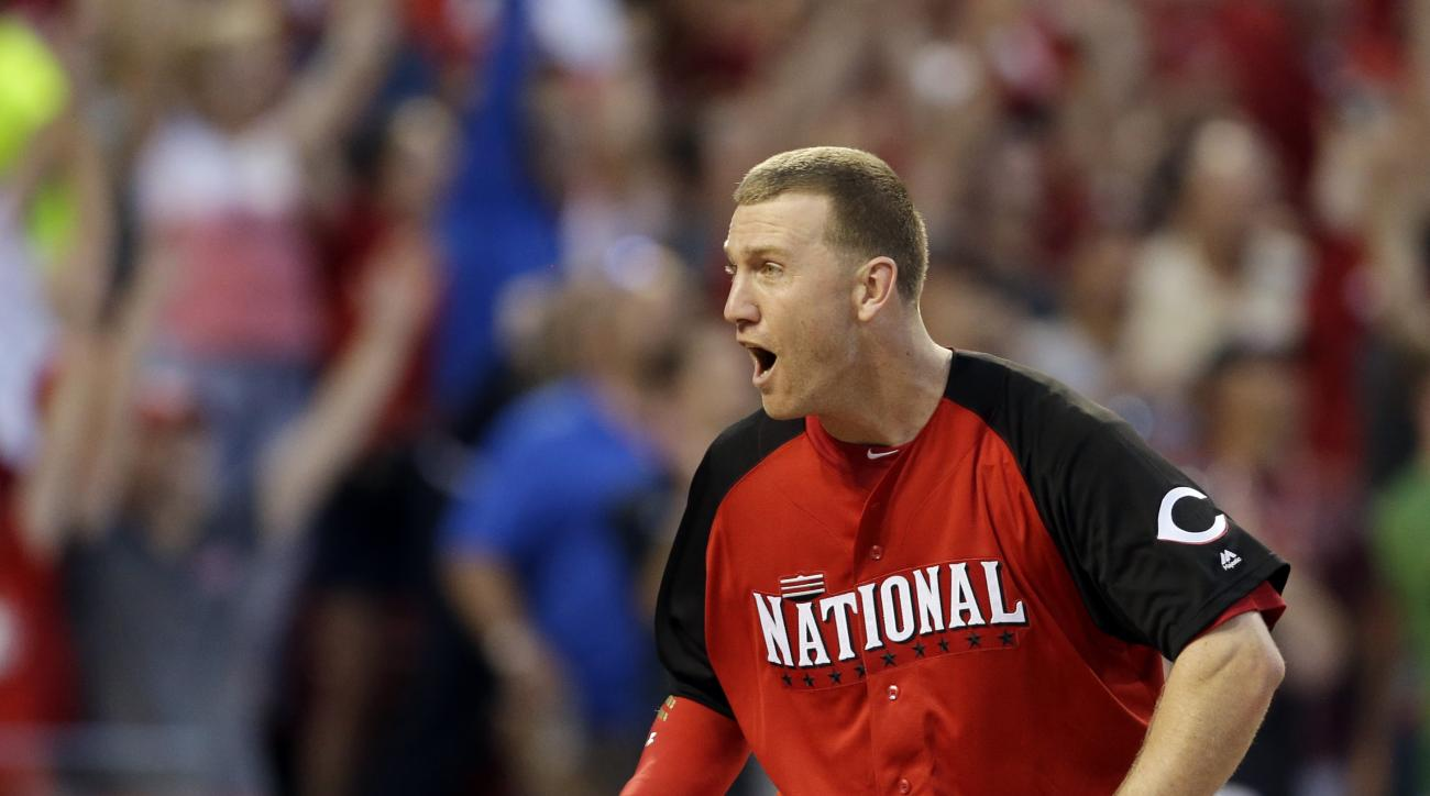 National League's Todd Frazier, of the  Cincinnati Reds, reacts during the MLB All-Star baseball Home Run Derby, Monday, July 13, 2015, in Cincinnati. (AP Photo/Jeff Roberson)