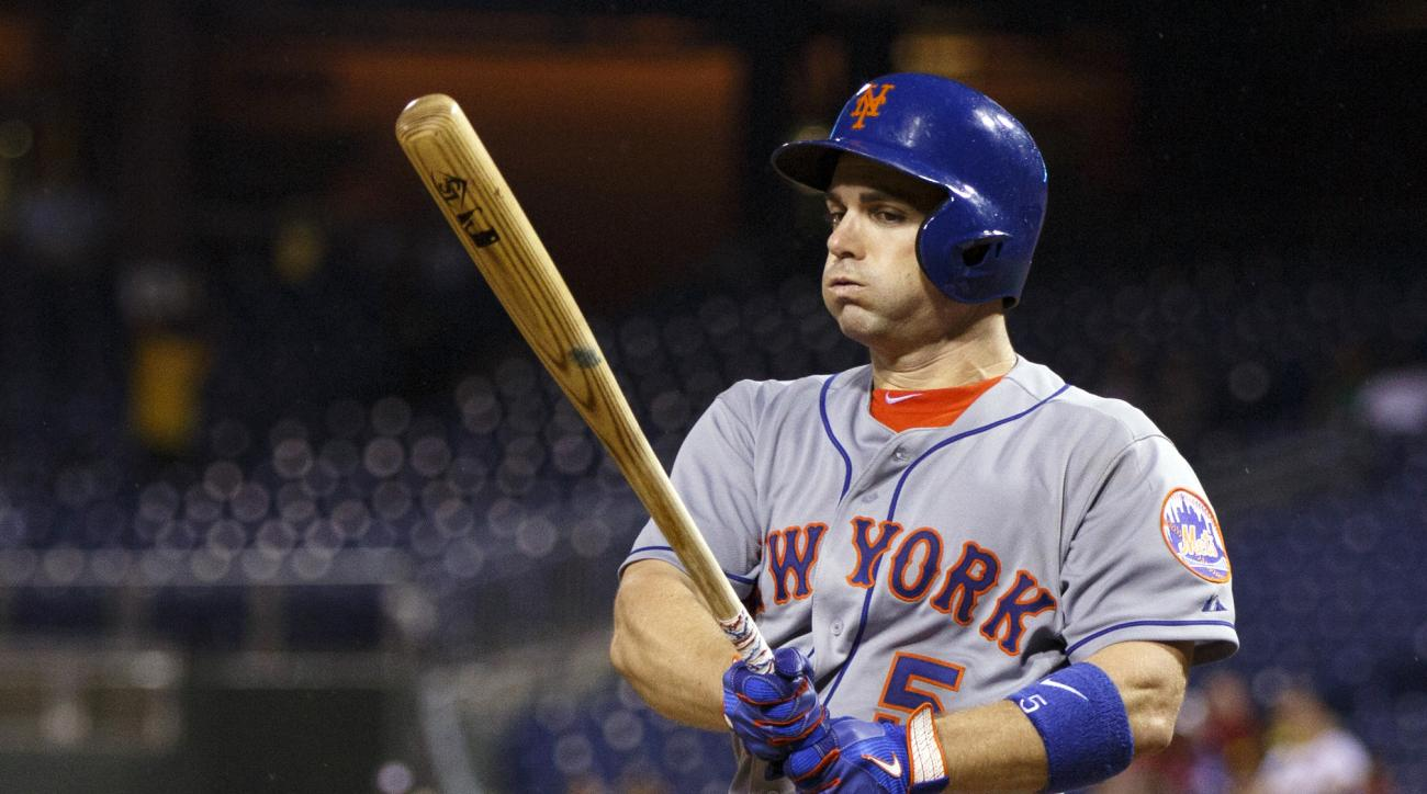 New York Mets' David Wright reacts to fouling the ball off during the fifth inning of a baseball game against the Philadelphia Phillies, Tuesday, Sept. 29, 2015, in Philadelphia. (AP Photo/Chris Szagola)