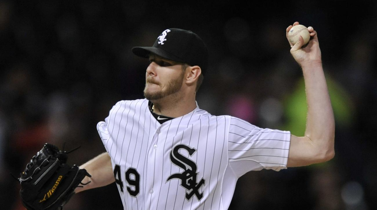 Chicago White Sox starter Chris Sale delivers a pitch during the first inning of a baseball game against the Detroit Tigers Friday, Oct. 2, 2015 in Chicago. (AP Photo/Paul Beaty)