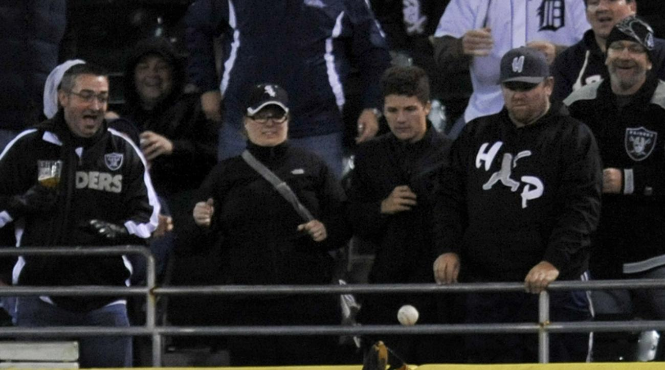 Chicago White Sox center fielder Adam Eaton (1) misses a two-run home run hit by Detroit Tigers' Miguel Cabrera during the sixth inning of a baseball game, Saturday, Oct. 3, 2015 in Chicago. (AP Photo/Paul Beaty)