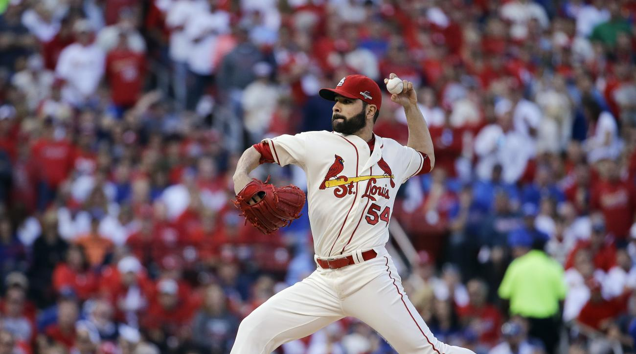 St. Louis Cardinals starting pitcher Jaime Garcia throws during the first inning of Game 2 in baseball's National League Division Series against the Chicago Cubs, Saturday, Oct. 10, 2015, in St. Louis. (AP Photo/Jeff Roberson)