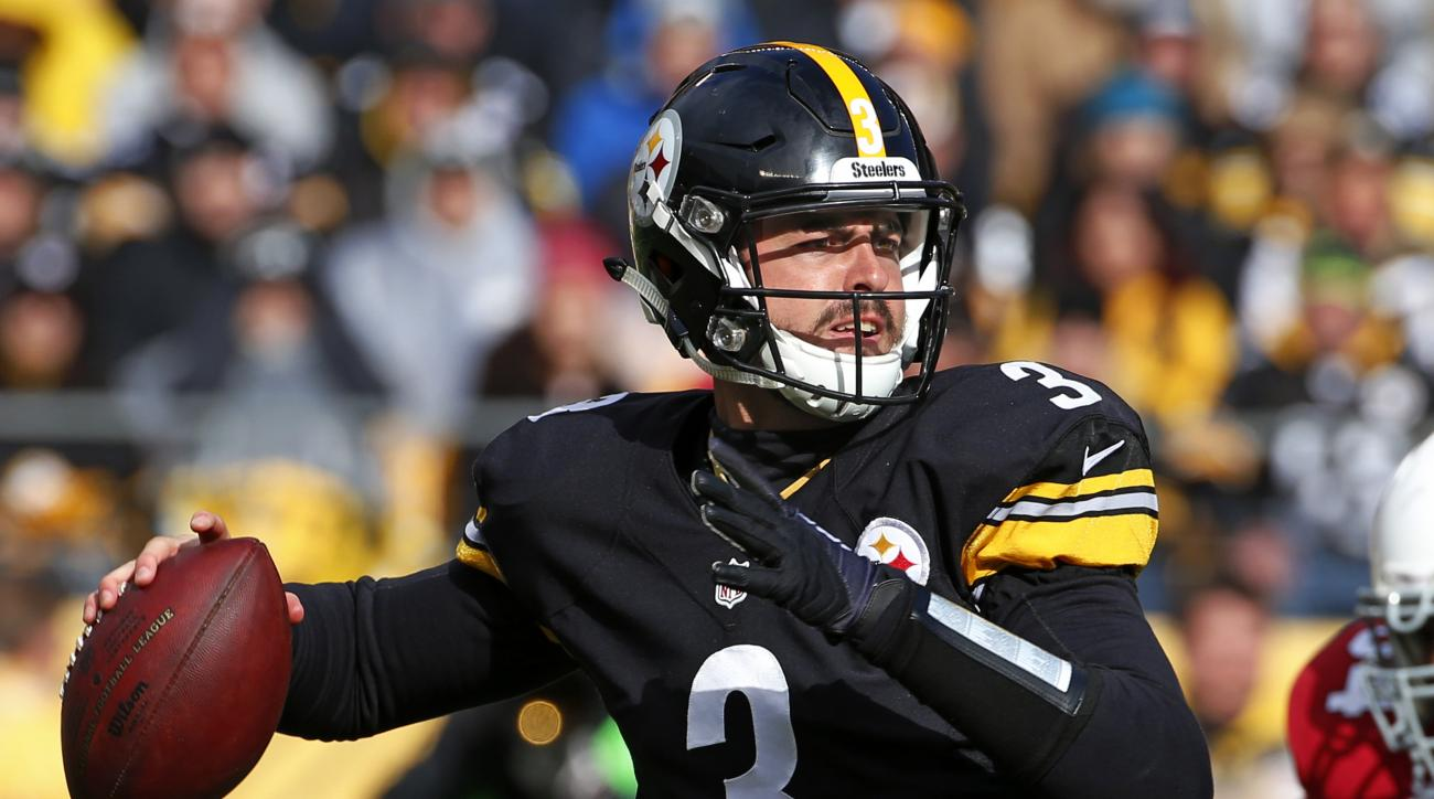 FILE - In this Oct. 18, 2015, file photo, Pittsburgh Steelers quarterback Landry Jones plays during an NFL football game against the Arizona Cardinals in Pittsburgh. With Ben Roethlisberger and Mike Vick unlikely to play, unproven Jones should get the nod