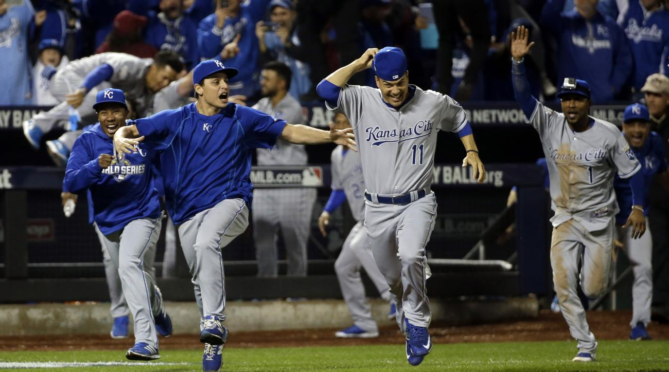 The New York Mets celebrate after Game 5 of the Major League Baseball World Series against the New York Mets Monday, Nov. 2, 2015, in New York. The Royals won 7-2 to win the series. (AP Photo/David J. Phillip)