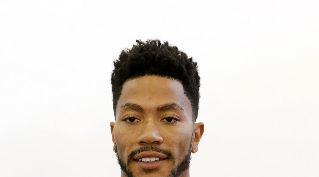 Chicago Bulls' Derrick Rose (1) during an NBA basketball media day Monday, Sept. 28, 2015, in Chicago. (AP Photo/Charles Rex Arbogast)