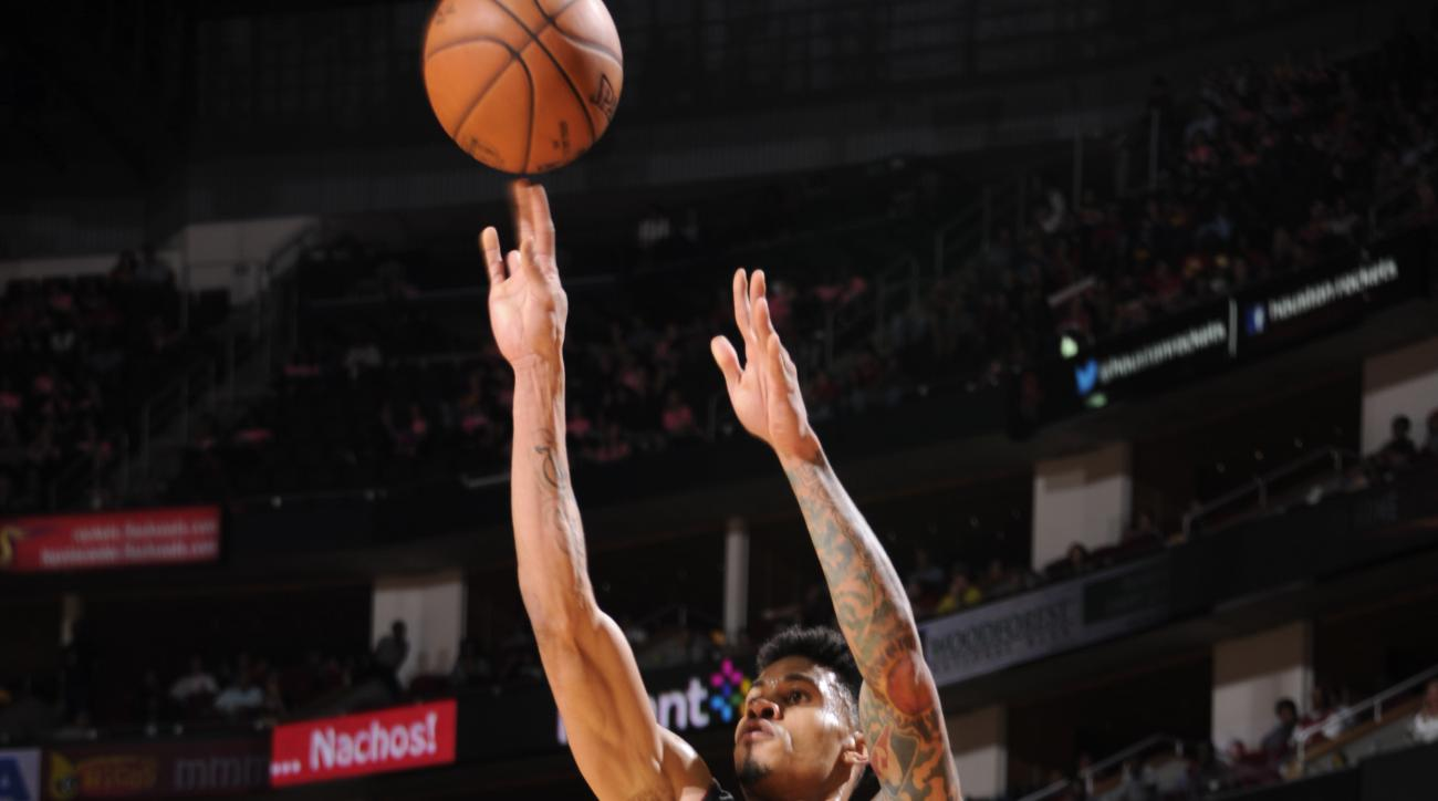 HOUSTON, TX - OCTOBER 17:  Gerald Green #14 of the Miami Heat shoots against the Houston Rockets on October 17, 2015 at the Toyota Center in Houston, Texas. (Photo by Bill Baptist/NBAE via Getty Images)