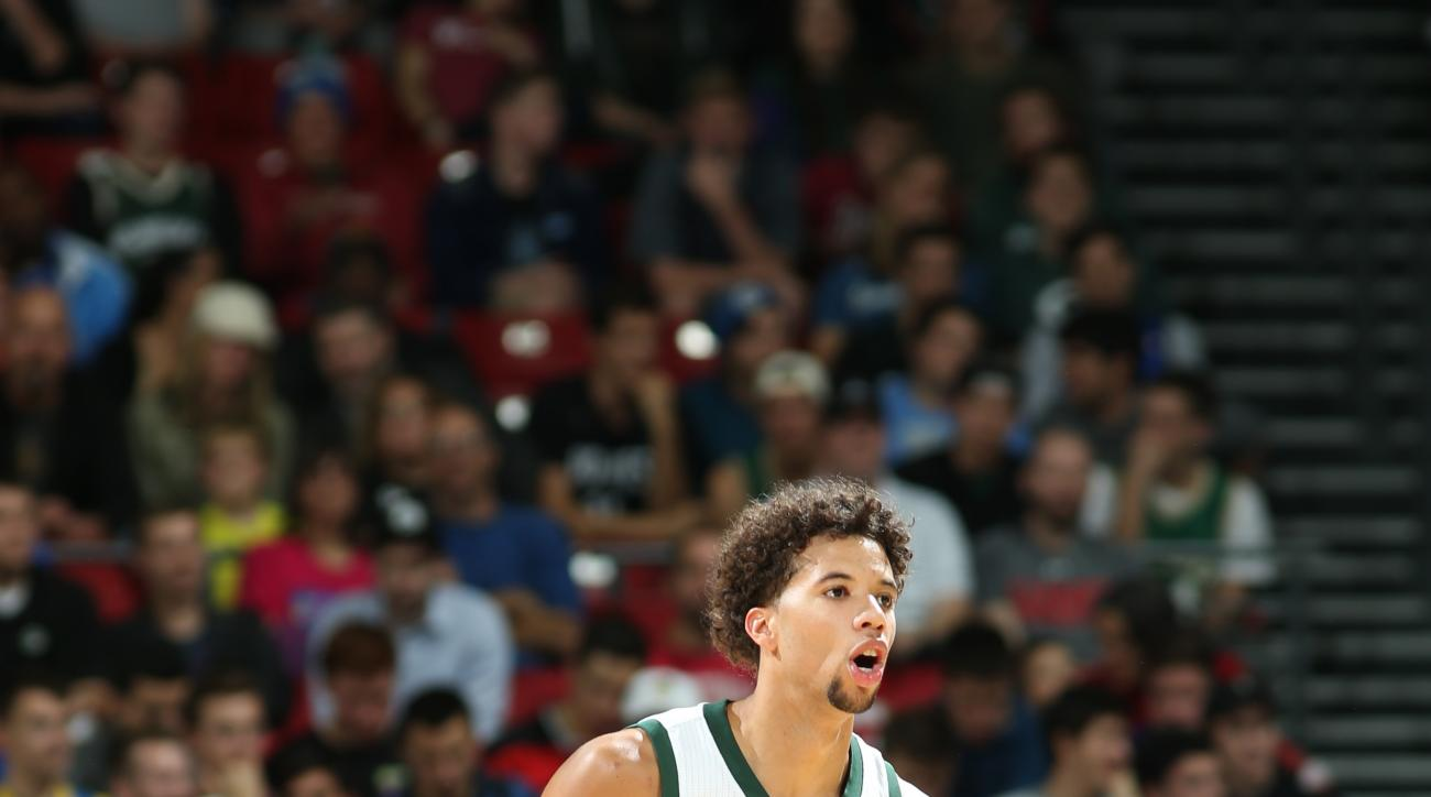 MADISON, WI - OCTOBER 20:  Michael Carter-Williams #5 of the Milwaukee Bucks brings the ball up court against the Minnesota Timberwolves on October 20, 2015 at the Kohl Center in Madison, Wisconsin. (Photo by Gary Dineen/NBAE via Getty Images)
