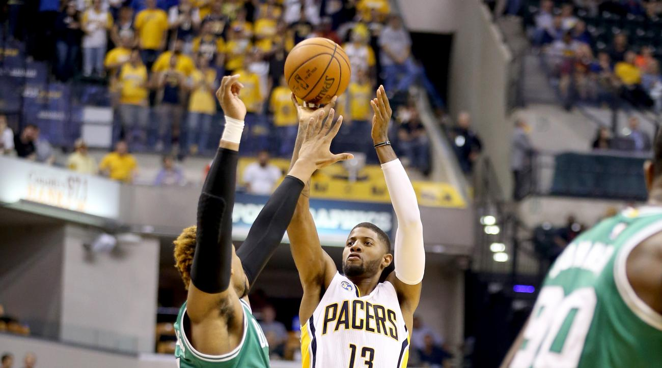 INDIANAPOLIS, IN - NOVEMBER 04:  Paul George #13 of the Indiana Pacers shoots the ball during the game against the Boston Celtics at Bankers Life Fieldhouse on November 4, 2015 in Indianapolis, Indiana.  (Photo by Andy Lyons/Getty Images)
