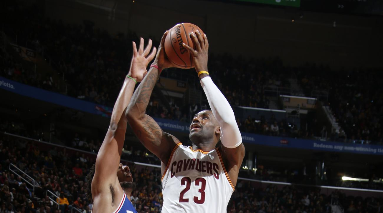 CLEVELAND, OH - NOVEMBER 6:  LeBron James #23 of the Cleveland Cavaliers shoots the ball against the Philadelphia 76ers on November 6, 2015 at Quicken Loans Arena in Cleveland, Ohio. (Photo by Gregory Shamus/NBAE via Getty Images)