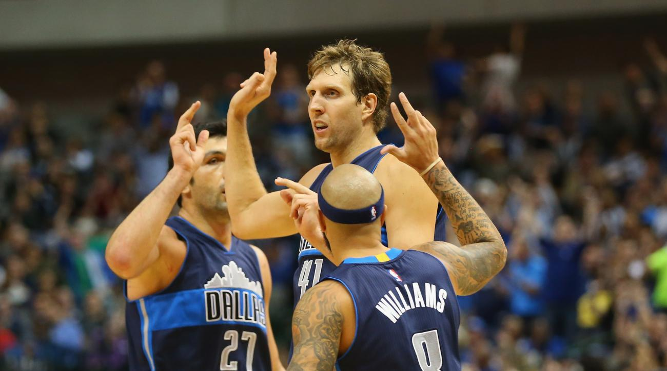 DALLAS, TX - NOVEMBER 11:  Dirk Nowitzki #41 of the Dallas Mavericks celebrates a three-point shot against the Los Angeles Clippers in the second half at American Airlines Center on November 11, 2015 in Dallas, Texas.  (Photo by Ronald Martinez/Getty Imag