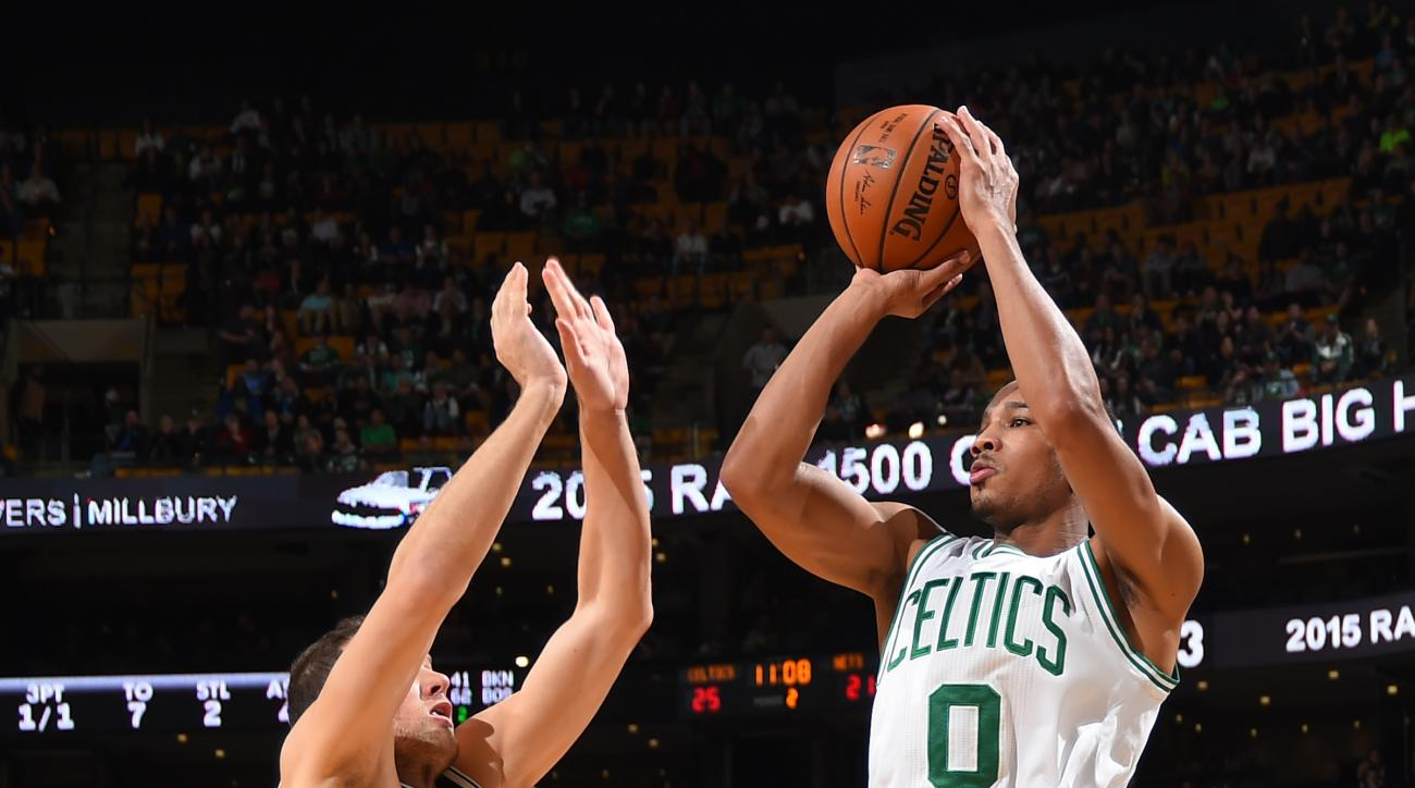 BOSTON, MA - NOVEMBER 20: Avery Bradley #0 of the Boston Celtics shoots the ball against the Brooklyn Nets on November 20, 2015 at the TD Garden in Boston, Massachusetts.  (Photo by Steve Babineau/NBAE via Getty Images)