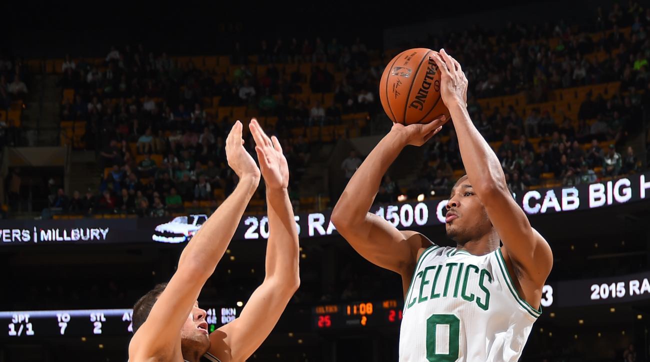 BOSTON, MA - NOVEMBER 20: Avery Bradley #0 of the Boston Celtics shoots the ball against the Brooklyn Nets on November 20, 2015 at the TD Garden in Boston, Massachusetts.  (Photo by Steve Babineau/NBAE via Getty Images)