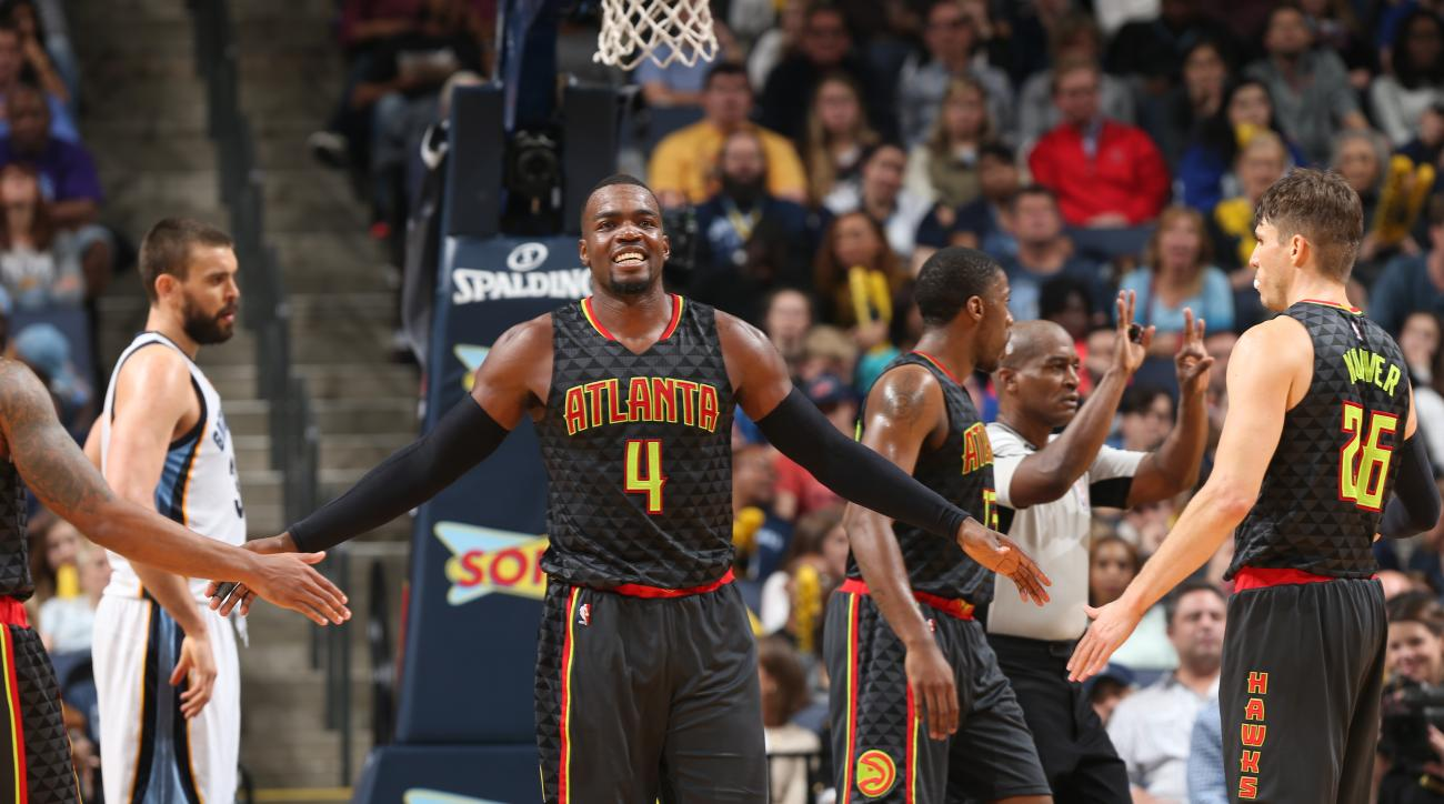 MEMPHIS, TN - NOVEMBER 27:  Paul Millsap #4 of the Atlanta Hawks celebrates during the game against the Memphis Grizzlies on November 27, 2015 at FedExForum in Memphis, Tennessee. (Photo by Joe Murphy/NBAE via Getty Images)