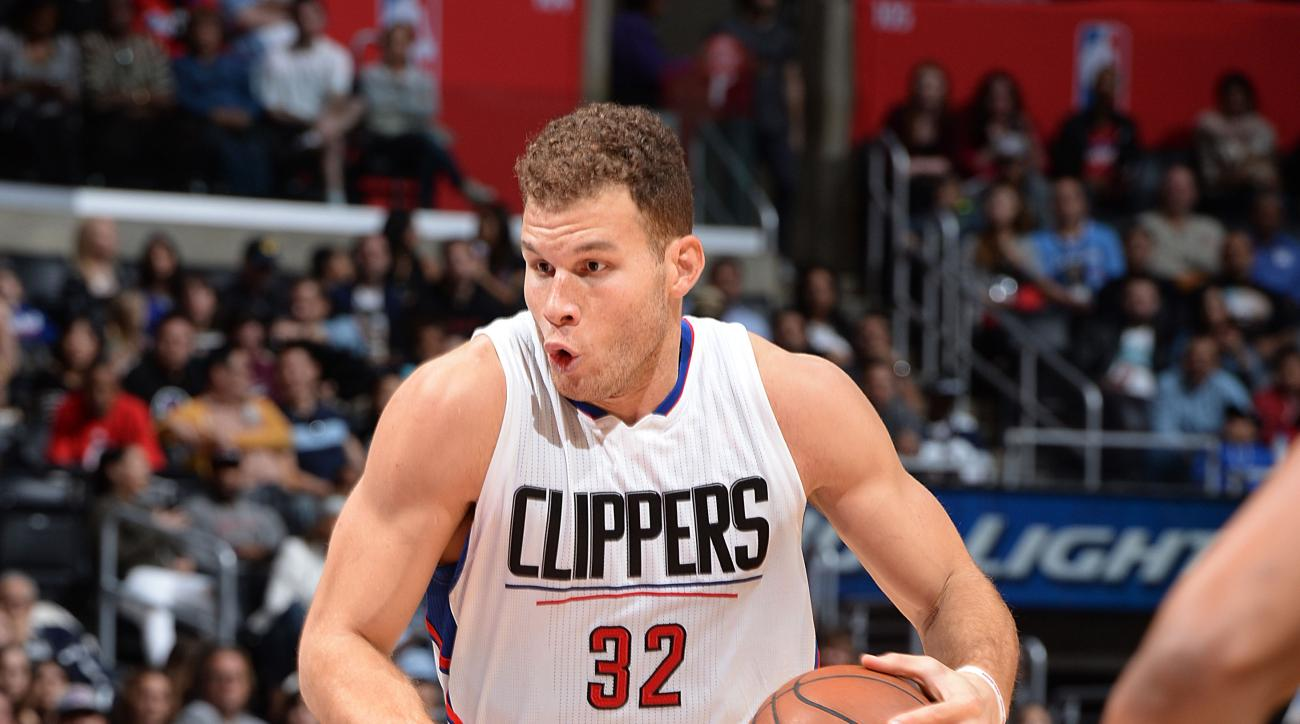 LOS ANGELES, CA - NOVEMBER 29:  Blake Griffin #32 of the Los Angeles Clippers handles the ball during the game against the Minnesota Timberwolves on November 29, 2015 at STAPLES Center in Los Angeles, California. (Photo by Andrew D. Bernstein/NBAE via Get