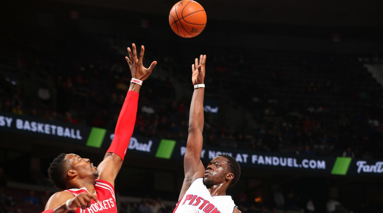 HOUSTON, TX - NOVEMBER 30: Reggie Jackson #1 of the Detroit Pistons shoots the ball during the game against the Houston Rockets on November 30, 2015 at the Toyota Center in Houston, Texas. (Photo by Joe Murphy/NBAE via Getty Images)