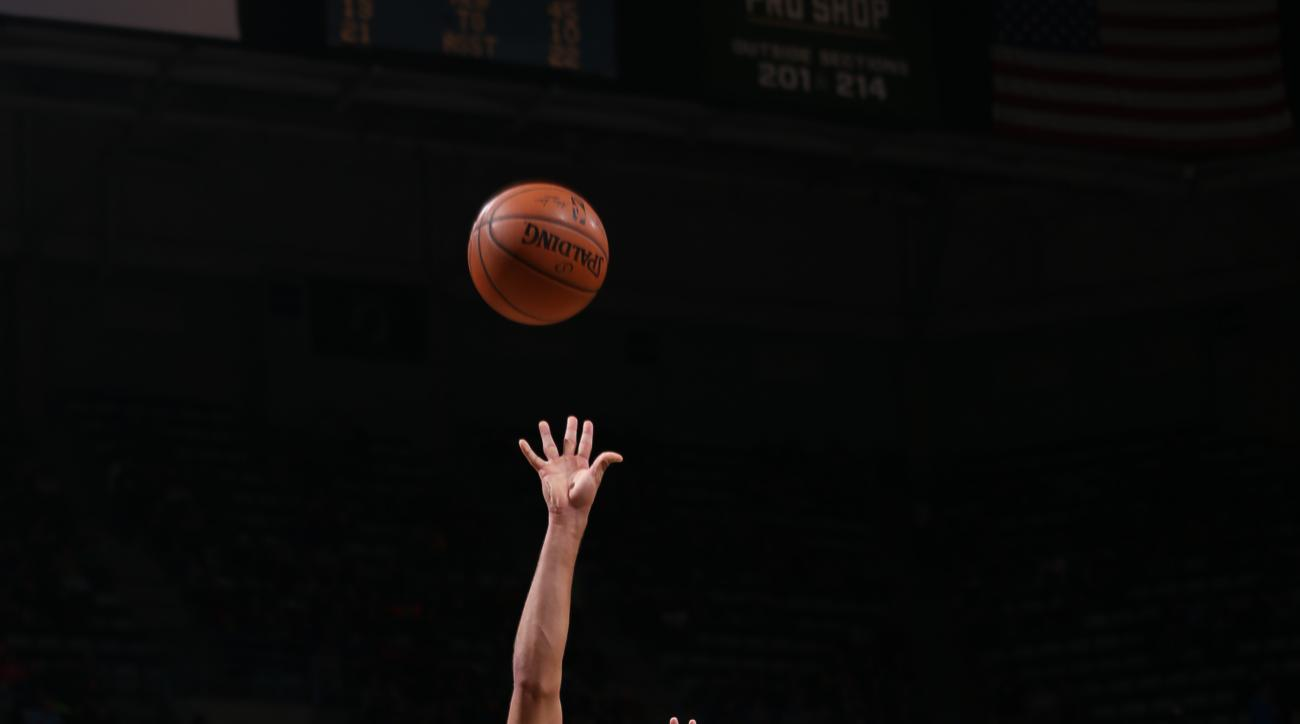 MILWAUKEE, WI - DECEMBER 5:  Michael Carter-Williams #5 of the Milwaukee Bucks shoots against the New York Knicks on December 5, 2015 at the BMO Harris Bradley Center in Milwaukee, Wisconsin. (Photo by Gary Dineen/NBAE via Getty Images)