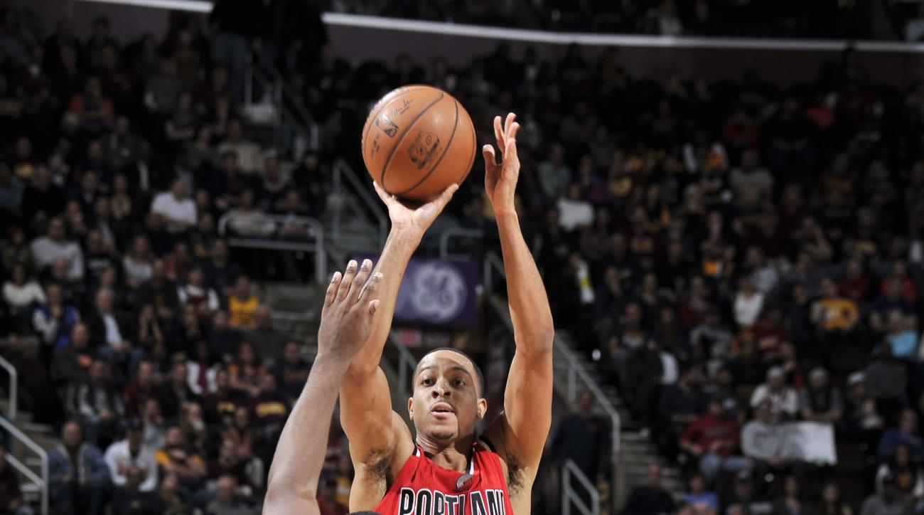 CLEVELAND, OH - DECEMBER 8: C.J. McCollum #3 of the Portland Trail Blazers shoots the ball during the game against the Cleveland Cavaliers on December 8, 2015 at Quicken Loans Arena in Cleveland, Ohio.  (Photo by David Liam Kyle/NBAE via Getty Images)