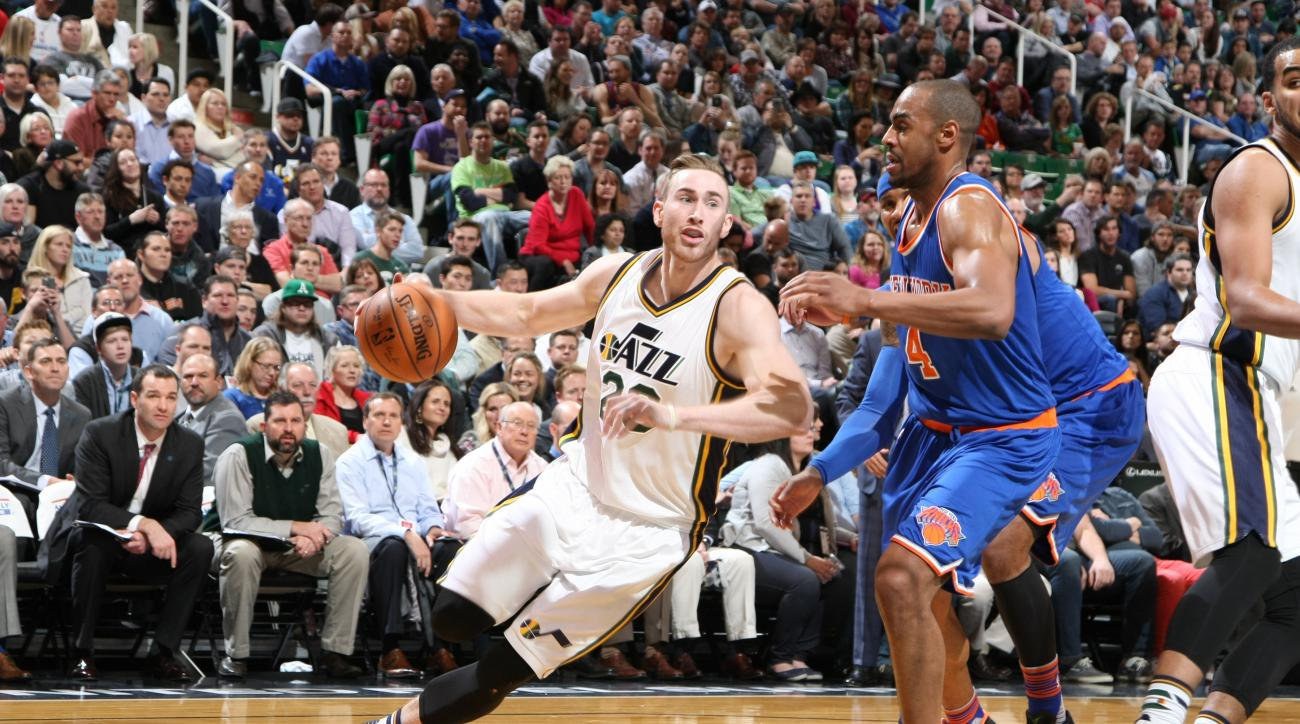 SALT LAKE CITY, UT - DECEMBER 9:  Gordon Hayward #20 of the Utah Jazz handles the ball against the New York Knicks on December 9, 2015 at Vivint Smart Home Arena in Salt Lake City, Utah. (Photo by Melissa Majchrzak/NBAE via Getty Images)