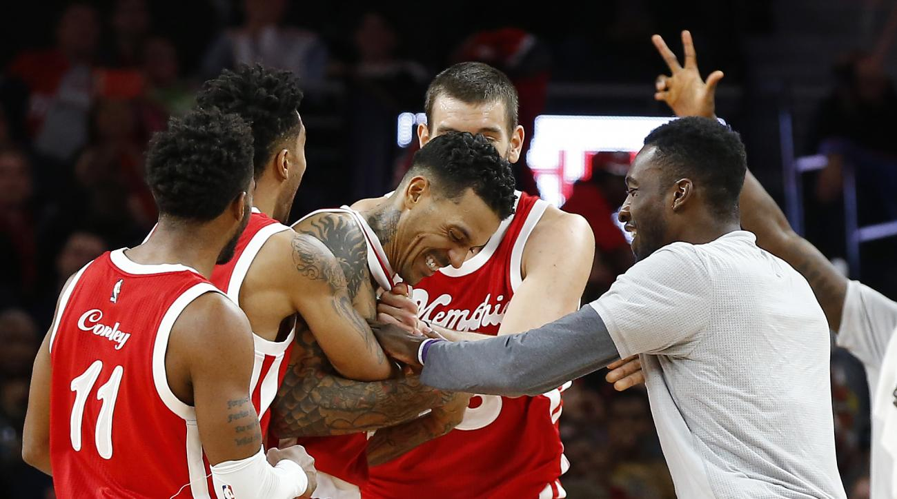 Memphis Grizzlies forward Matt Barnes celebrates hitting the game winning three point shot against the Detroit Pistons in the second half of an NBA basketball game Wednesday, Dec. 9, 2015 in Auburn Hills, Mich. Memphis won 93-92. (AP Photo/Paul Sancya)