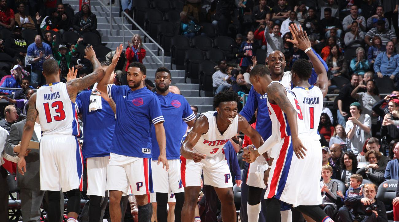 AUBURN HILLS, MI - DECEMBER 12: Detroit Pistons celebrate during the game against the Indiana Pacers on December 12, 2015 at The Palace of Auburn Hills in Auburn Hills, Michigan. (Photo by B. Sevald/Einstein/NBAE via Getty Images)