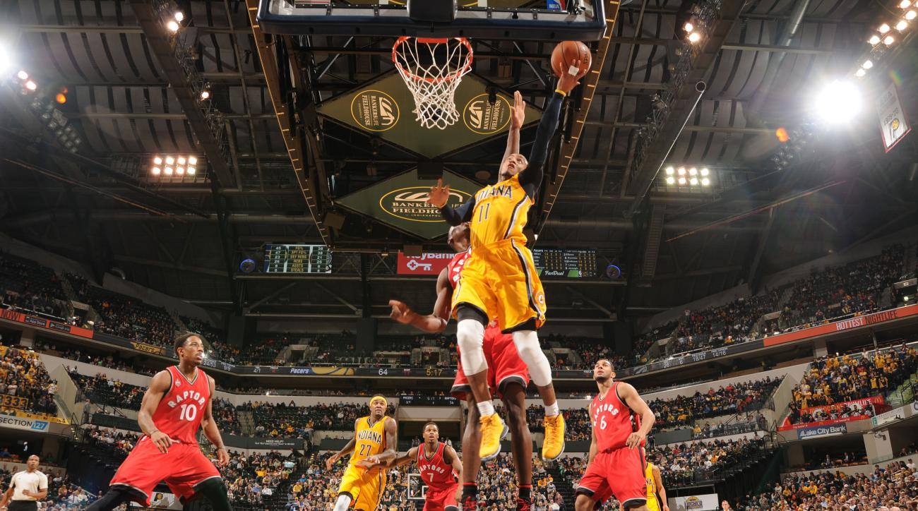 INDIANAPOLIS, IN - DECEMBER 14: Monta Ellis #11 of the Indiana Pacers shoots the ball against the Toronto Raptors on December 14, 2015 at Bankers Life Fieldhouse in Indianapolis, Indiana. (Photo by Ron Hoskins/NBAE via Getty Images)
