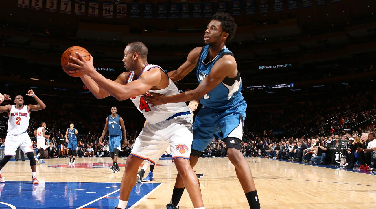 NEW YORK, NY - DECEMBER 16: Arron Afflalo #4 of the New York Knicks handles the ball during the game against the Minnesota Timberwolves on December 16, 2015 at Madison Square Garden in New York City, New York.  (Photo by Nathaniel S. Butler/NBAE via Getty