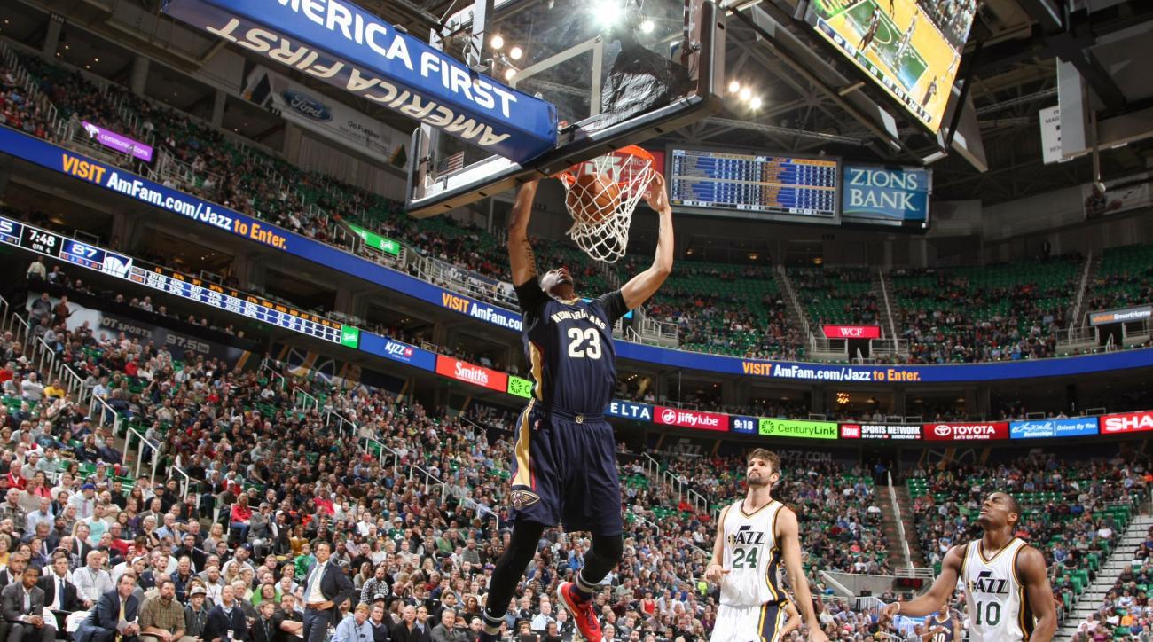 SALT LAKE CITY, UT - DECEMBER 16:  Anthony Davis #23 of the New Orleans Pelicans dunks against the Utah Jazz on December 16, 2015 at Vivint Smart Home Arena in Salt Lake City, Utah. (Photo by Melissa Majchrzak/NBAE via Getty Images)