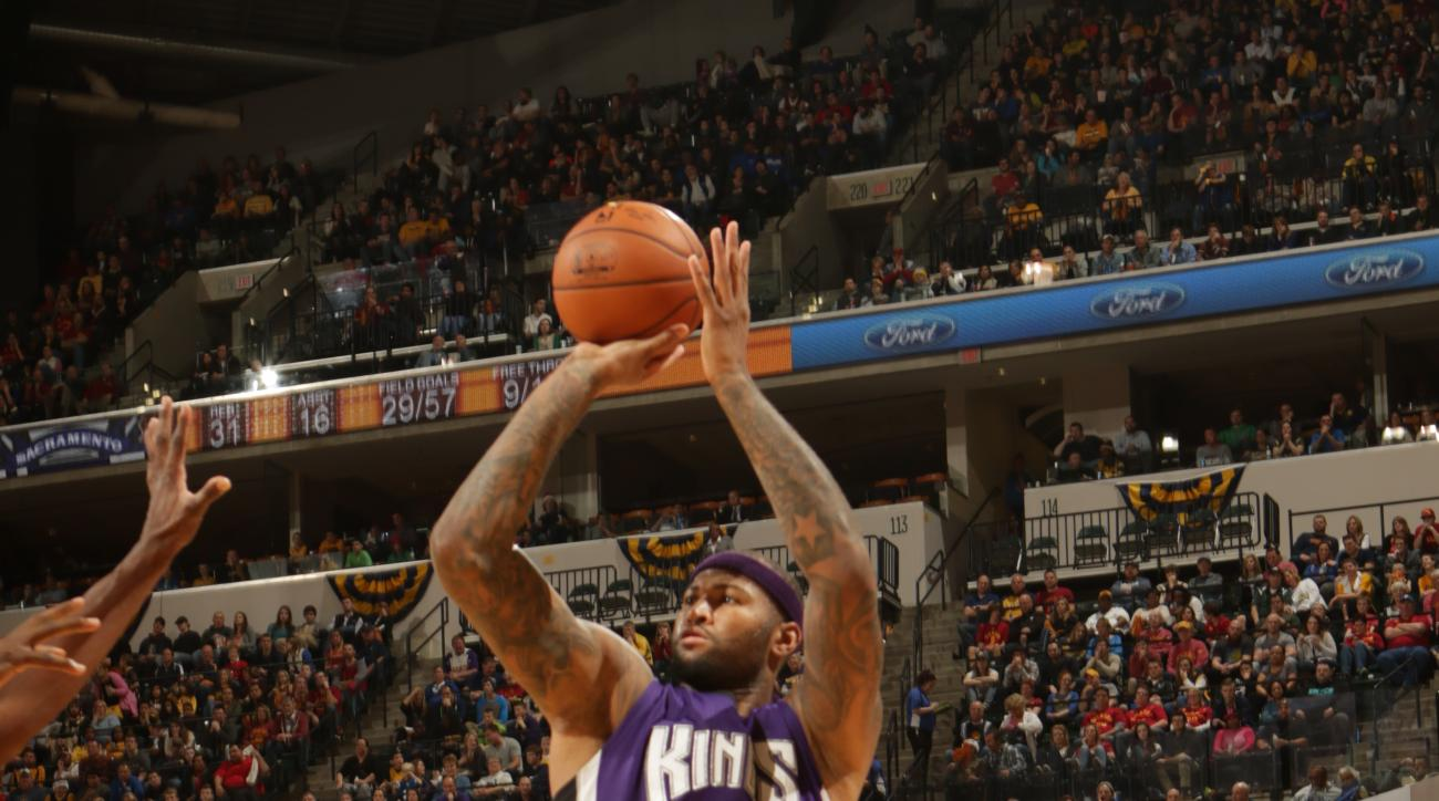 INDIANAPOLIS, IN - DECEMBER 23:  DeMarcus Cousins #15 of the Sacramento Kings shoots against the Indiana Pacers on December 23, 2015 at Bankers Life Fieldhouse in Indianapolis, Indiana. (Photo by Ron Hoskins/NBAE via Getty Images)