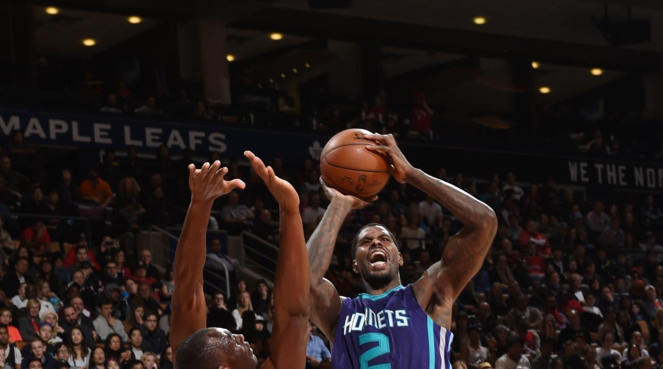 TORONTO, CA - JANUARY 1: Marvin Williams #2 of the Charlotte Hornets shoots against the Chicago Bulls during the game on January 1, 2016 at Air Canada Centre in Toronto, Canada. (Photo by Ron Turenne/NBAE via Getty Images)