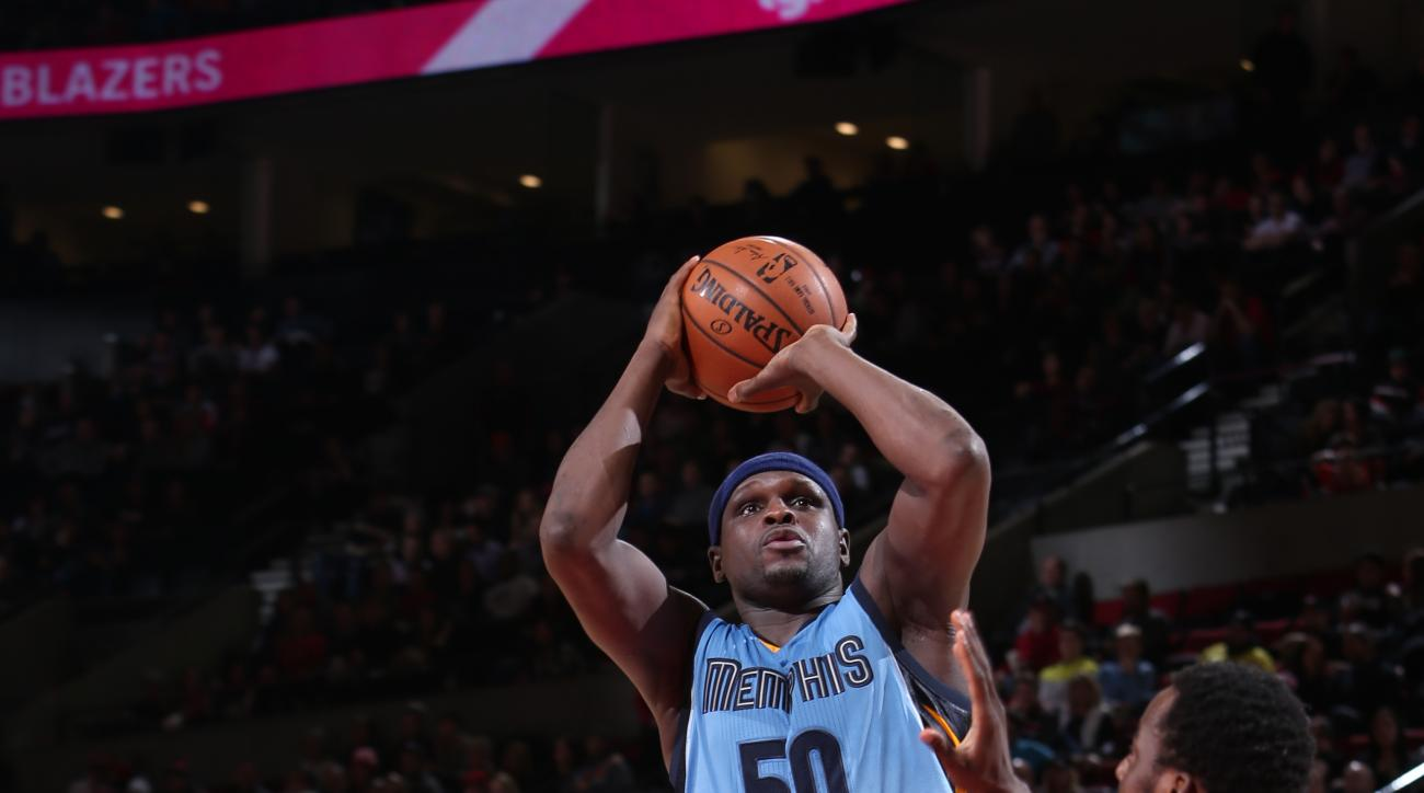 PORTLAND, OR - JANUARY 4: Zach Randolph #50 of the Memphis Grizzlies shoots against the Portland Trail Blazers during the game on January 4, 2016 at Moda Center in Portland, Oregon. (Photo by Sam Forencich/NBAE via Getty Images)