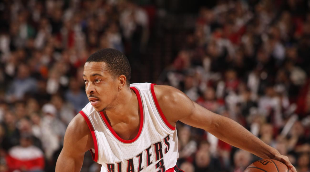 PORTLAND, OR - JANUARY 4: C.J. McCollum #3 of the Portland Trail Blazers drives to the basket against the Memphis Grizzlies during the game on January 4, 2016 at Moda Center in Portland, Oregon. (Photo by Cameron Browne/NBAE via Getty Images)