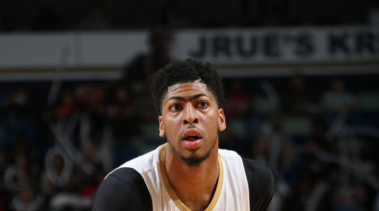NEW ORLEANS, LA - JANUARY 6:  Anthony Davis #23 of the New Orleans Pelicans handles the ball against the Dallas Maverickson January 21, 2016 at the Smoothie King Center in New Orleans, Louisiana. (Photo by Layne Murdoch Jr./NBAE via Getty Images)
