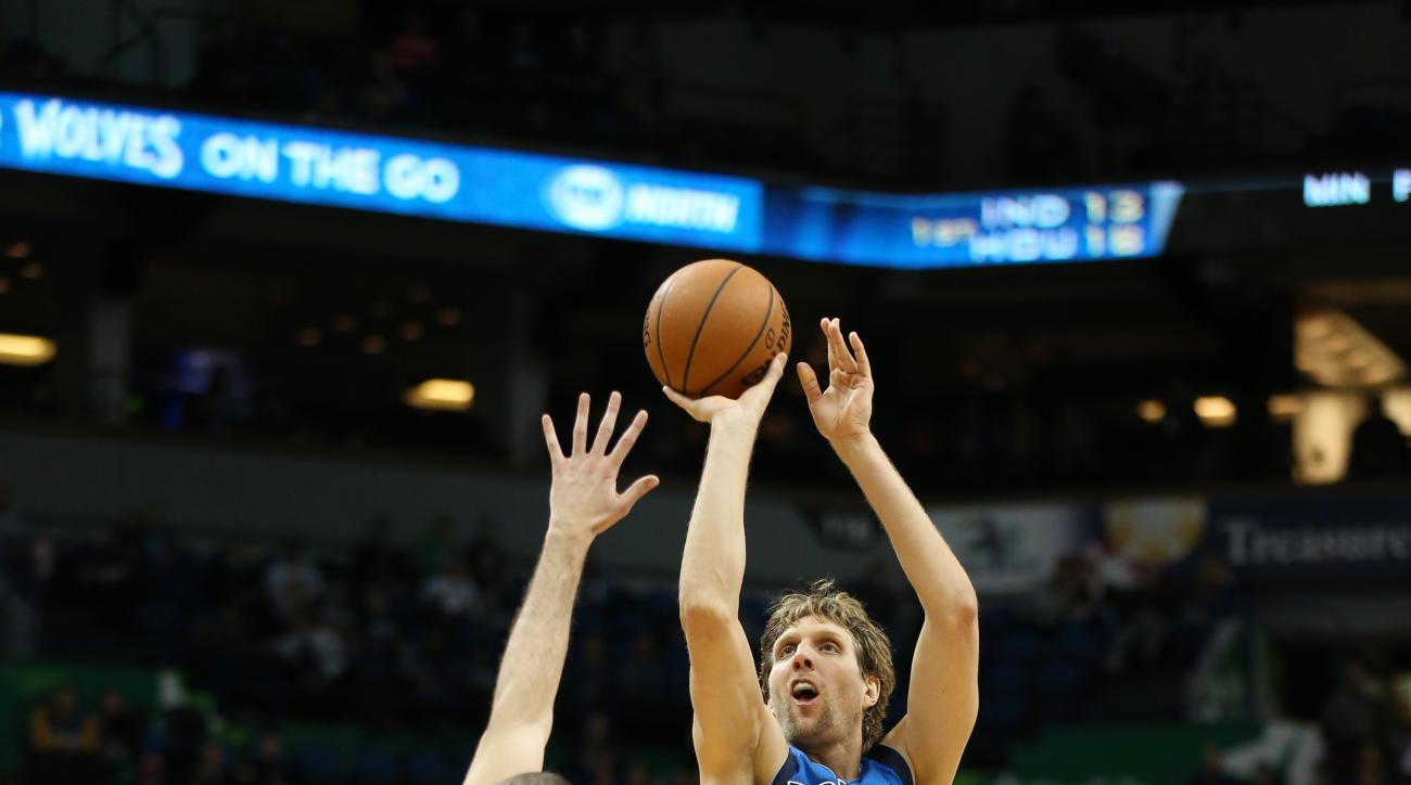 MINNEAPOLIS, MN - JANUARY 10:  Dirk Nowitzki #41 of the Dallas Mavericks shoots the ball against the Minnesota Timberwolves on January 10, 2016 at Target Center in Minneapolis, Minnesota. (Photo by Jordan Johnson/NBAE via Getty Images)