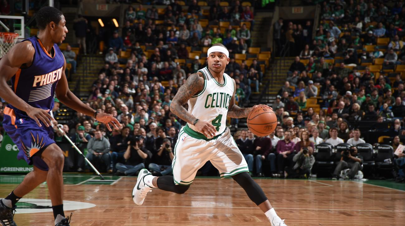 BOSTON, MA - JANUARY 15:  Isaiah Thomas #4 of the Boston Celtics dribbles the ball against the Phoenix Suns on January 15, 2016 at the TD Garden in Boston, Massachusetts.  (Photo by Brian Babineau/NBAE via Getty Images)