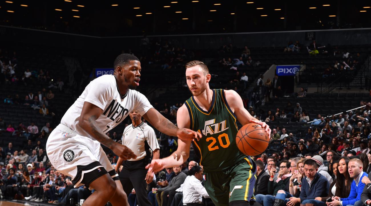 BROOKLYN, NY - JANUARY 22:  Gordon Hayward #20 of the Utah Jazz drives baseline against the Brooklyn Nets on January 22, 2016 at Barclays Center in Brooklyn, New York. (Photo by Jesse D. Garrabrant/NBAE via Getty Images)
