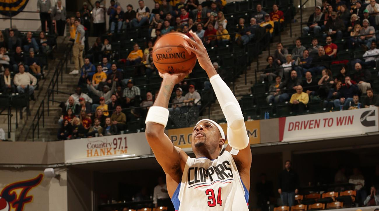INDIANAPOLIS, IN - JANUARY 26:  Paul Pierce #34 of the Los Angeles Clippers shoots the ball against the Indiana Pacers on January 26, 2016 at Bankers Life Fieldhouse in Indianapolis, Indiana. (Photo by Ron Hoskins/NBAE via Getty Images)