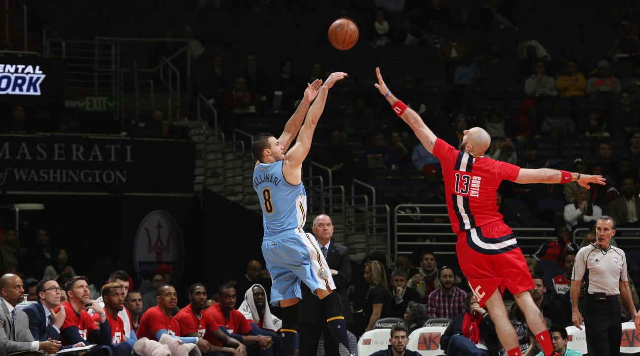WASHINGTON, DC - JANUARY 28: Danilo Gallinari #8 of the Denver Nuggets shoots the ball against the Washington Wizards on January 28, 2016 at Verizon Center in Washington, DC. (Photo by Ned Dishman/NBAE via Getty Images)