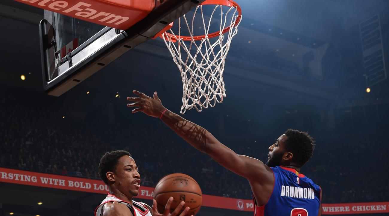TORONTO, CANADA - JANUARY 30: DeMar DeRozan #10 of the Toronto Raptors handles the ball against the Detroit Pistons on January 30, 2016 at the Air Canada Centre in Toronto, Ontario, Canada.  (Photo by Ron Turenne/NBAE via Getty Images)